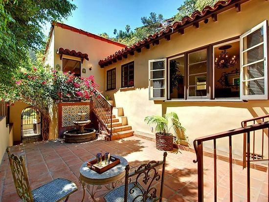 6961 La Presa Dr, Los Angeles, CA 90068