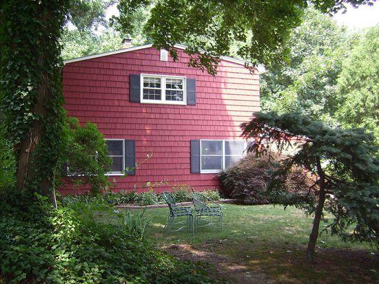 7 Wyndham Way, Port Washington, NY 11050