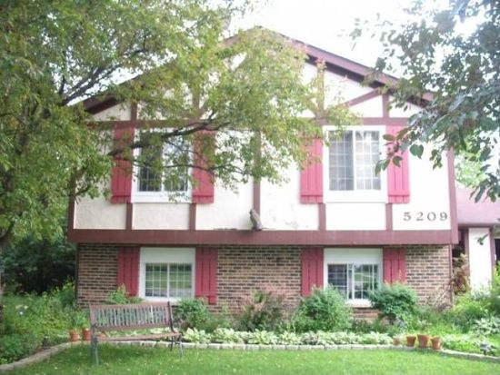 5209 W Greenbrier Dr, Mchenry, IL 60050