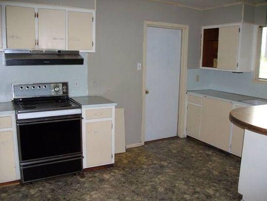 2609 Saba Ln, Port Neches, TX 77651