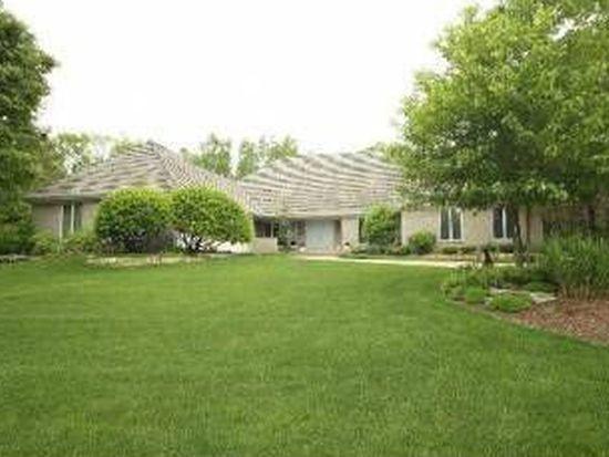301 S Arboretum Cir, Wheaton, IL 60189