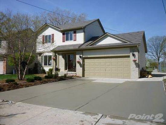 32715 Robeson St, Saint Clair Shores, MI 48082