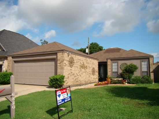 6820 Lexington Dr, Beaumont, TX 77706