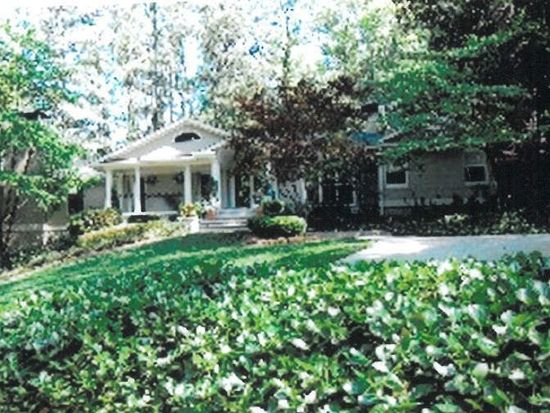 985 Dawn View Ln NW, Atlanta, GA 30327