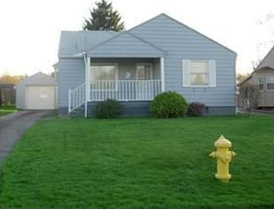 1140 Leslie St, Sharon, PA 16146