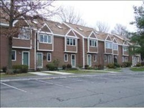 29 Steeplechase Ct, Haverhill, MA 01832