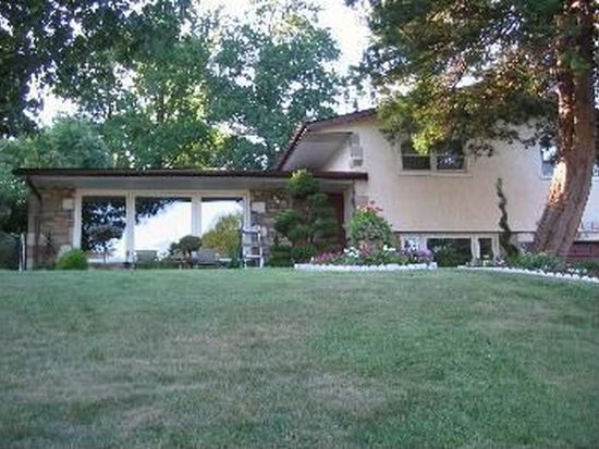 972 Irvin Rd, Huntingdon Valley, PA 19006