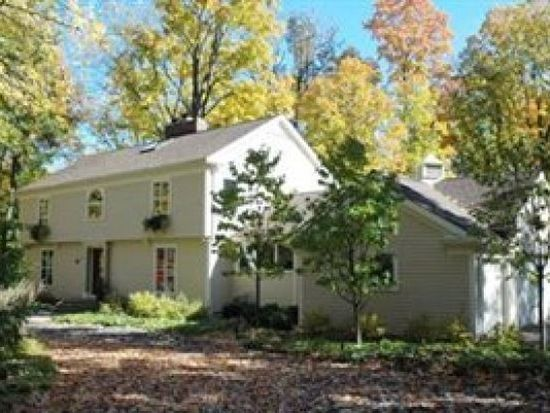75 Willow Wood Ln, Moreland Hills, OH 44022