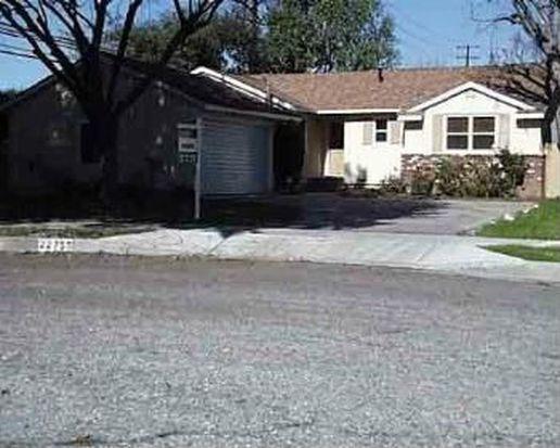 22755 Haynes St, West Hills, CA 91307