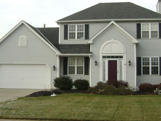 27048 Laurel Ln, Olmsted Twp, OH 44138