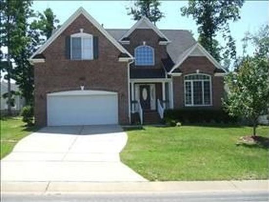 208 Evergreen View Dr, Holly Springs, NC 27540