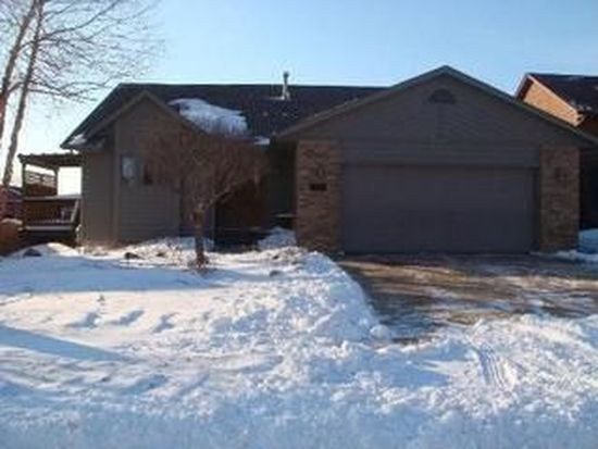 2717 S Groveland Ave, Sioux Falls, SD 57110