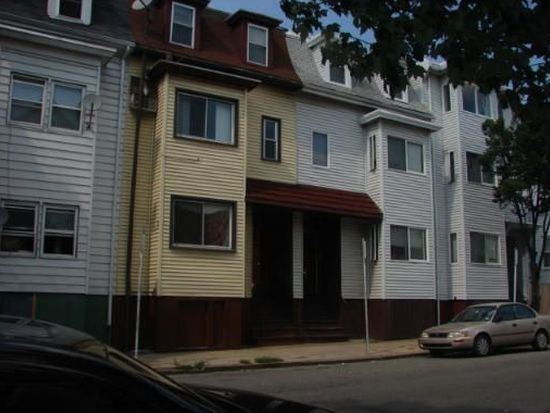 152 Lexington St, Boston, MA 02128