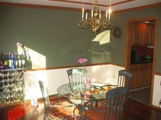 7512 Hidden Knoll Ct, West Chester, OH 45069