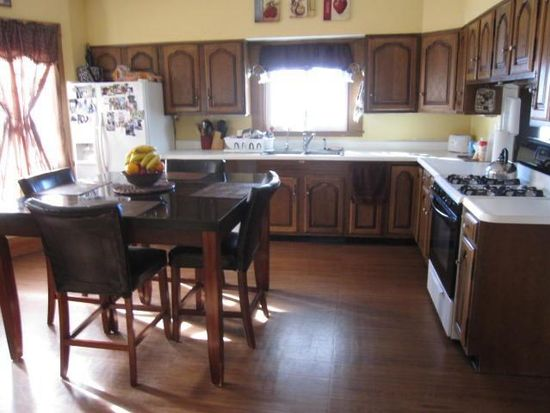 1301 4th St, Perry, IA 50220