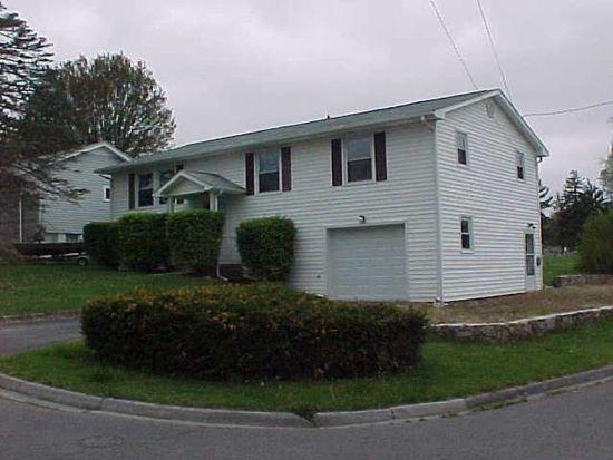 102 Cedar Ln, Princeton, WV 24740