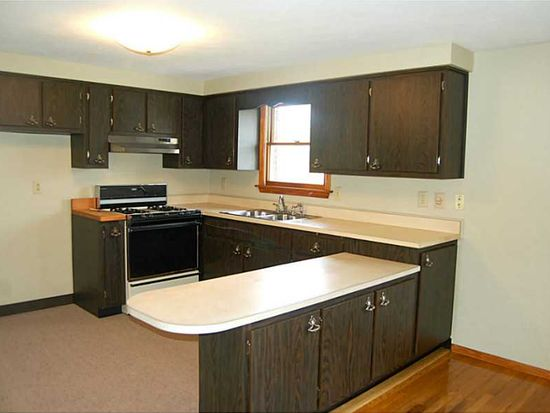 111 Trouttown Rd, Hunker, PA 15639