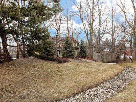 1453 Waukegan Rd, Deerfield, IL 60015