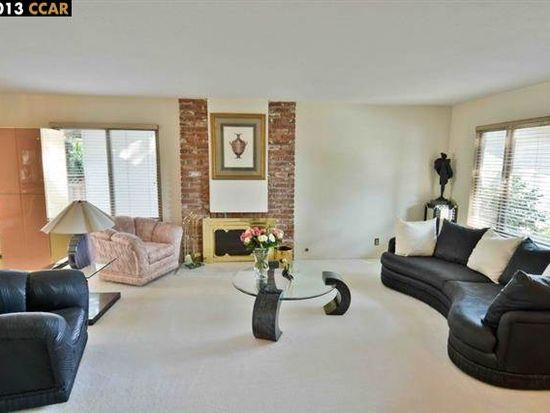 4420 Weeping Spruce Ct, Concord, CA 94521
