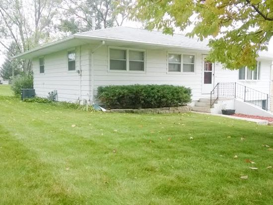 3011 Schaeffer Dr SW, Cedar Rapids, IA 52404