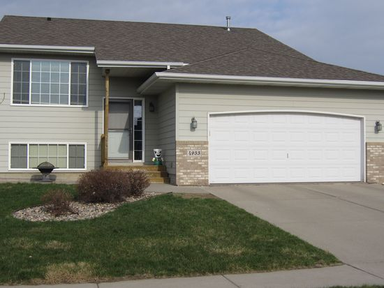 4933 S Dunlap Ct, Sioux Falls, SD 57106