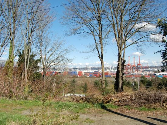 3005 SW Harbor Ln, Seattle, WA 98126