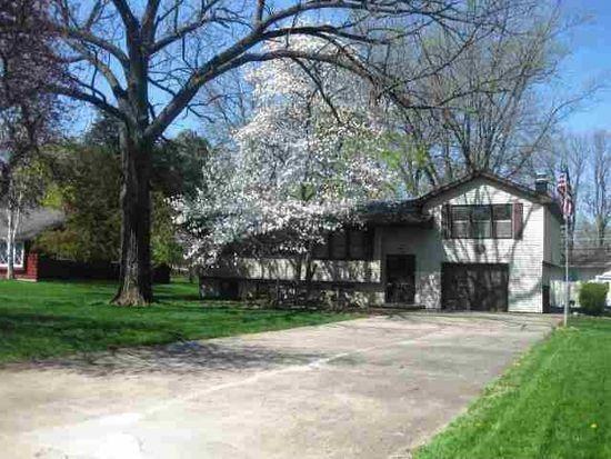 620 Baker Dr, Cedar Falls, IA 50613
