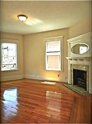 31 Claybourne St, Dorchester Center, MA 02124