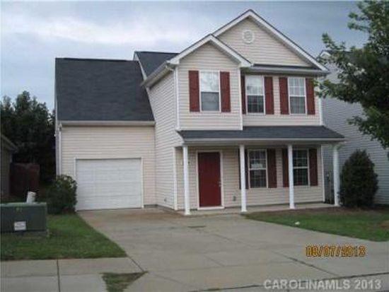 5644 Henderson Oaks Dr, Charlotte, NC 28269