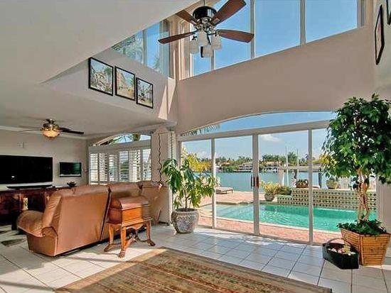 211 N Coconut Ln, Miami Beach, FL 33139