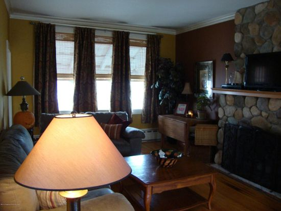 1534 Quincy Ave, Dunmore, PA 18509