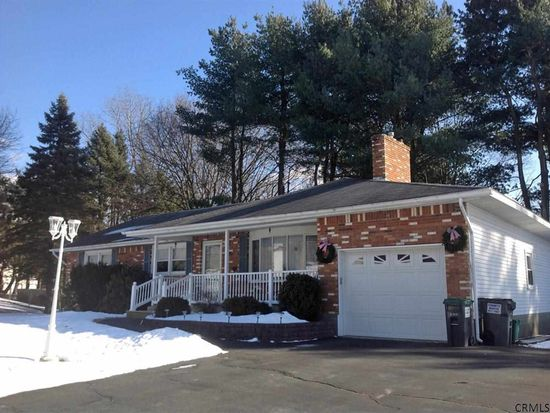 11 Danielwood Dr, Albany, NY 12211