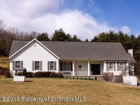 136 Silver Mark Dr, Factoryville, PA 18419