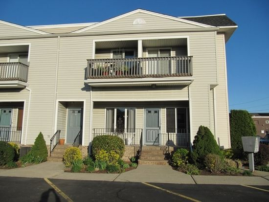 37 Willow Wood Sq, East Rutherford, NJ 07073