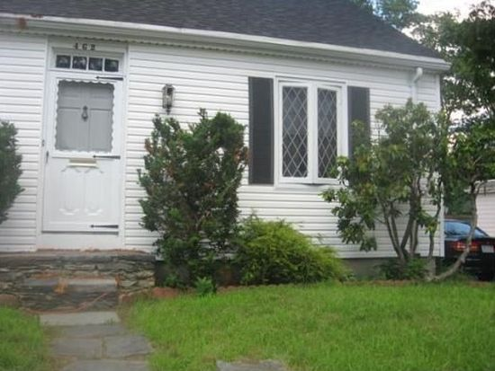 462 Montgomery St, Fall River, MA 02720