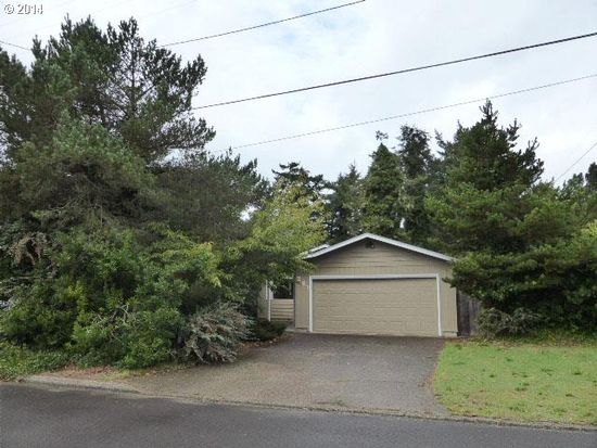241 Ivy St, Florence, OR 97439