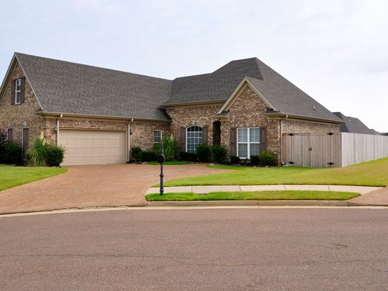 3390 Valley Crest Dr, Southaven, MS 38672