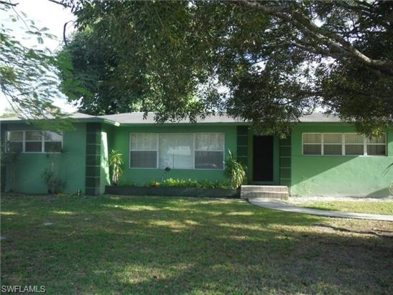 3930 Edgewood Ave, Fort Myers, FL 33916