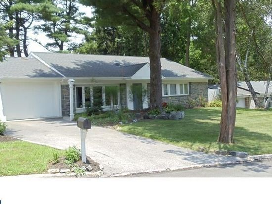 738 School Line Dr, King Of Prussia, PA 19406