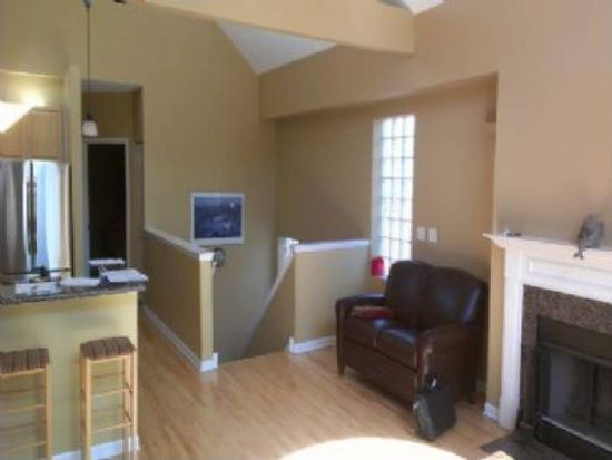 3144 N Kenmore Ave APT 3, Chicago, IL 60657