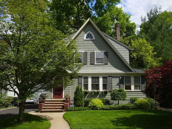 52 Headley Pl, Maplewood, NJ 07040