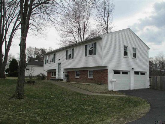 8 Malpass Rd, Albany, NY 12203