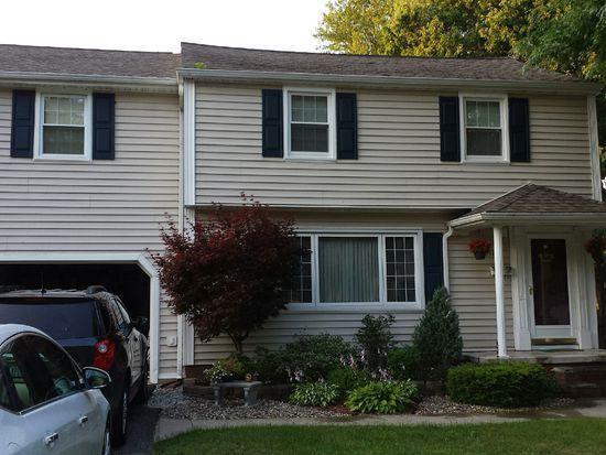 8946 Hennepin Ave, Niagara Falls, NY 14304