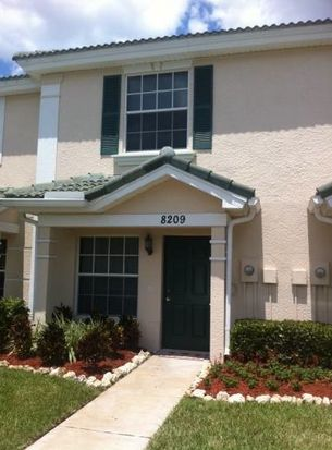 8209 Pacific Beach Dr, Fort Myers, FL 33966