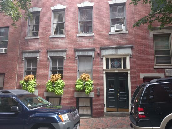 22 Irving St APT 2, Boston, MA 02114