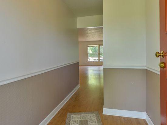 5521 Old Greensboro Rd, Chapel Hill, NC 27516