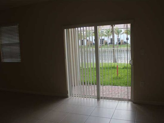 8850 NW 97th Ave APT 101, Medley, FL 33178