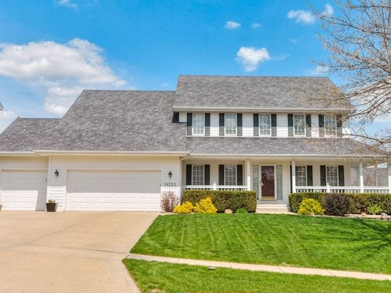 14293 Forest Ct, Clive, IA 50325