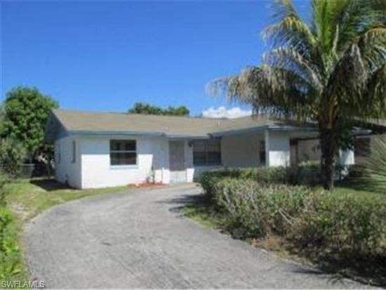 1727 Framingham Ct, Fort Myers, FL 33907