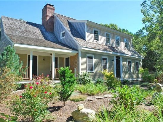 166 Hollidge Hill Ln, Marstons Mills, MA 02648